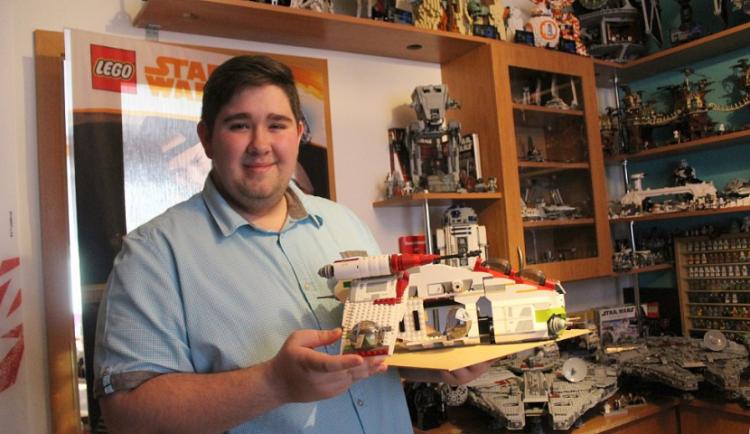 (NE)OBYČEJNÍ: Naši sbírku LEGO stavebnic chceme zapsat do Guinnessovy knihy rekordů, říká sběratel Ondřej Balšán