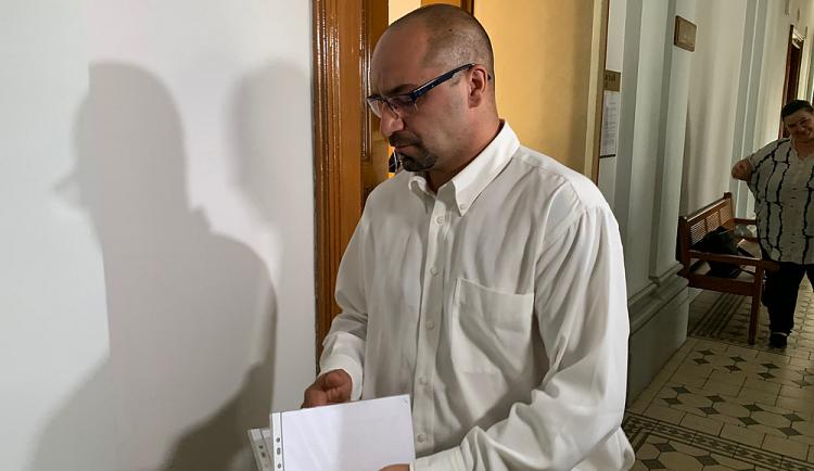 S podmíněným trestem odešel od soudu muž za pochvalný komentář o teroristickém činu