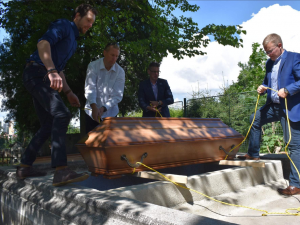 Členové rodiny prvního starosty Chodova už důstojně odpočívají na hřbitově