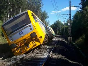 V Lázních Kynžvart vykolejil ve stanici vlak, Pendolino stihlo zastavit včas