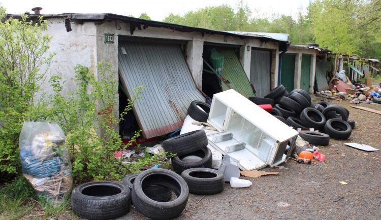 Spekulanti stále váhají s prodejem garáží městu, radnice ale vzkazuje, že víc peněz nedá