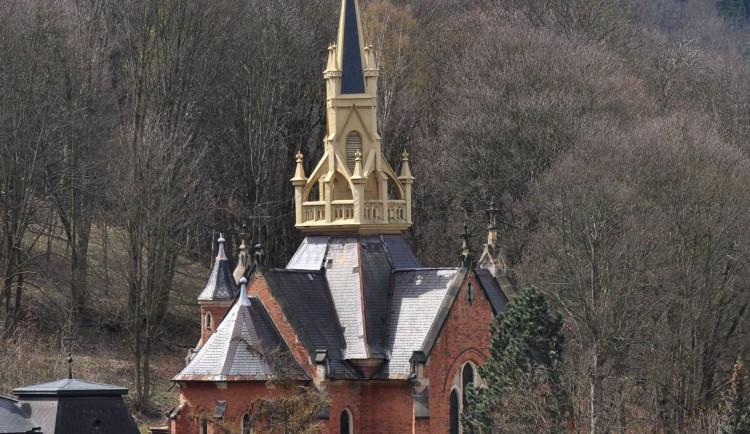 Milovníci památek jsou zváni na procházku vilovou čtvrtí i prohlídku divadla, tvrze a kostela