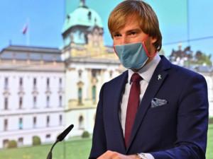 AKTUÁLNĚ: Vojtěch rezignoval na post ministra zdravotnictví. Nemám se zač stydět, říká