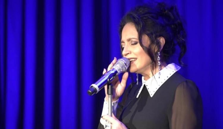 Lucie Bílá záchranářům v Karlových Varech nezazpívá
