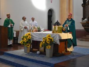 František Radkovský je už třicet let biskupem, nyní emeritním, žijícím na faře v Karlových Varech
