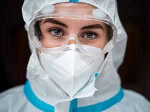 Antigenní testy mohou zabránit třetí vlně, do dvou týdnů můžeme otestovat sto tisíc občanů, říkají autoři testovací studie