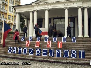 Vzkaz obyvatel Karlovarského kraje: Svoboda není samozřejmost