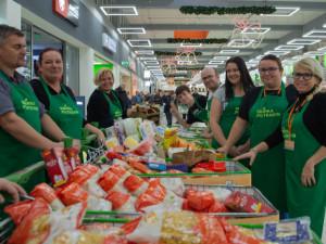 Lidé letos přispěli do sbírky potravin rekordním množstvím zboží