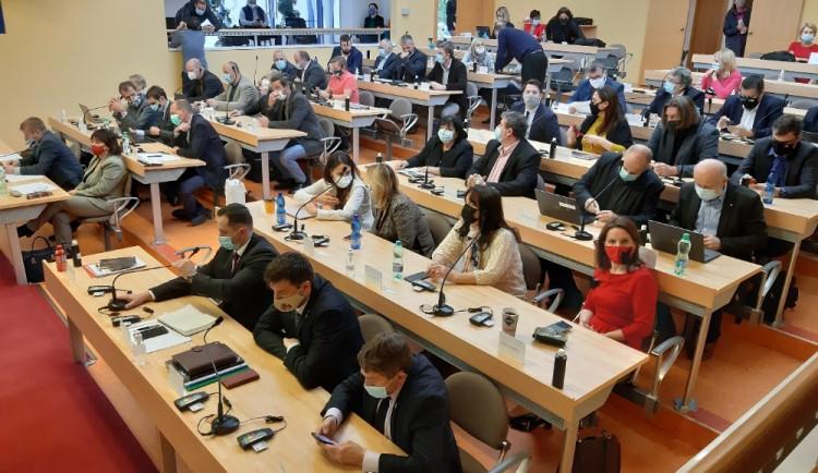 Vláda Karlovarského kraje nebyla zvolena ani na třetím zasedání zastupitelů