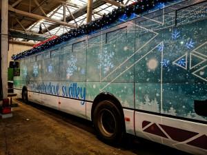 Školní spoje začnou jezdit v pondělí, poprvé vyjede i Vánoční bus