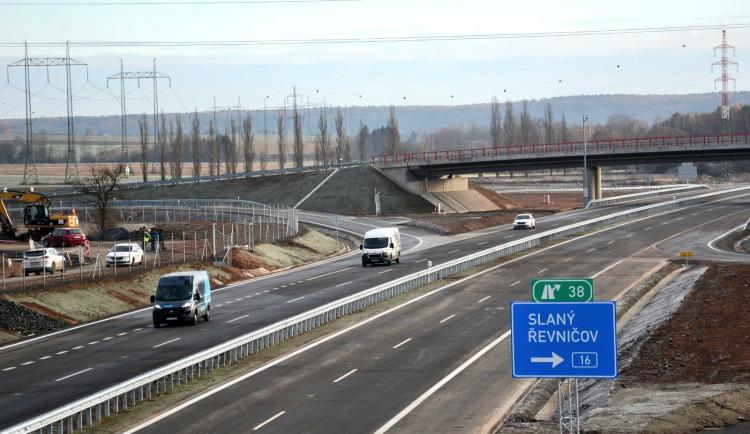 Dnes byl otevřen další kousek dálnice D6 směrem na Prahu