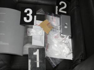 VIDEO: Policisté dopadli dealery drog, kteří se akorát vraceli z nákupu