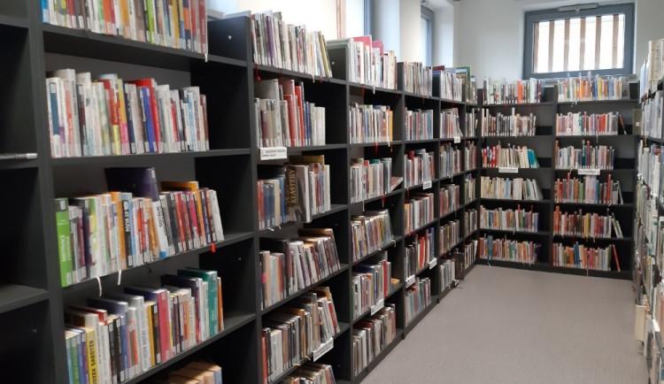 Krajská knihovna znovu otevírá výdejní okénko