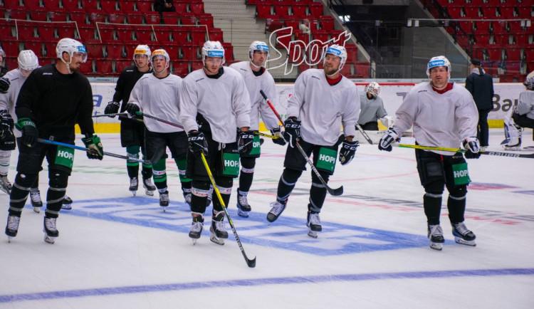 Hokejisté Energie chtějí, aby dnes zůstaly body doma