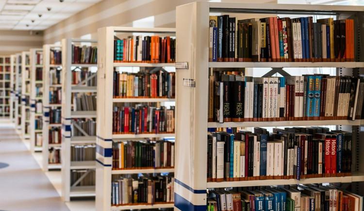 Krajská knihovna našla cestu, jak bezkontaktně obsloužit čtenáře