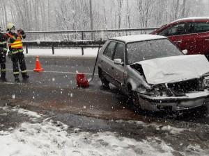 Meteorologové varují před ledovkou, pozor by si měli dávat řidiči i chodci
