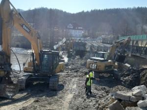 Demoliční práce postupují velmi rychle, vodácká sezona by neměla být ohrožena