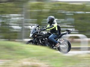 Návrat motorkářů na silnice po zimní pauze je podle odborníků kritickým obdobím