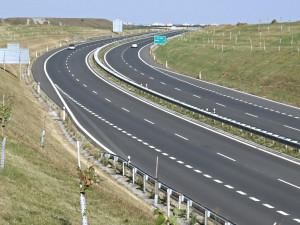 Dálnici je třeba co nejrychleji dostavět a napojit na německou síť