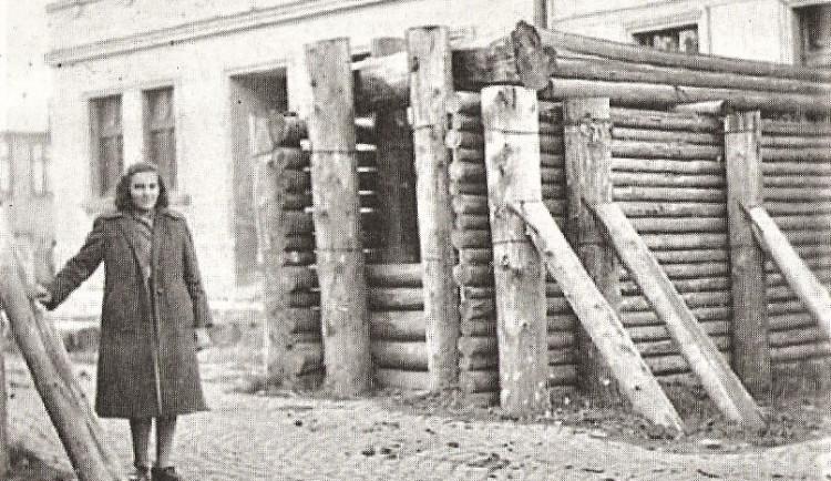 Při rekonstrukci ulice narazili dělníci nejspíš na pozůstatky válečného opevnění
