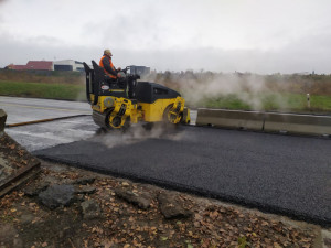 Opravy krajských silnic letos spolykají půl miliardy korun