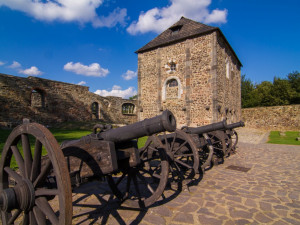 Na chebský hrad po dlouhé pauze zavítali návštěvníci, přístupný je téměř celý areál