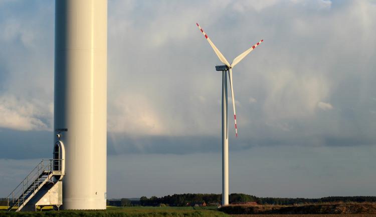 SUAS GROUP plánuje výstavbu solární a větrné elektrárny, zemědělskou půdu nezabere