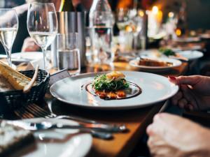 Provozovatelé restaurací testy kontrolovat nebudou. Namátkově se na to zaměří hygiena a policie