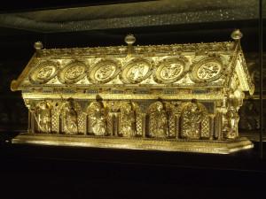 V Bečově ověřili a znovu uložili ostatky svatých do relikviáře sv. Maura