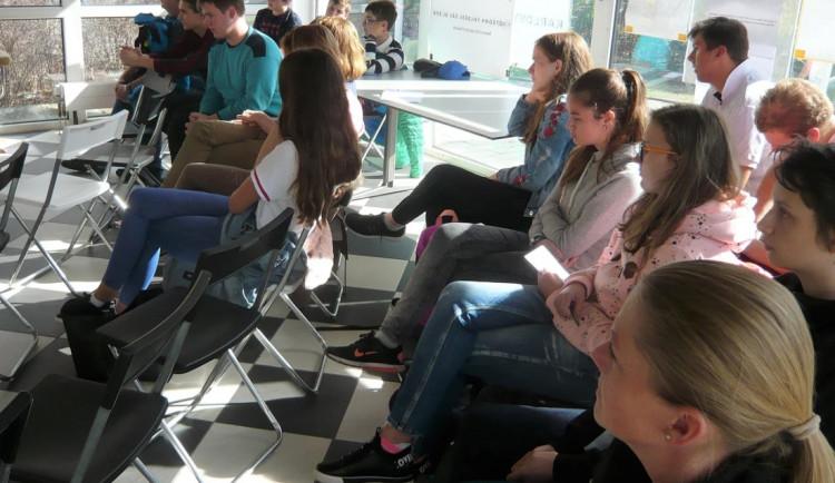 V Karlovarském kraji by mohl zasedat parlament dětí a mládeže