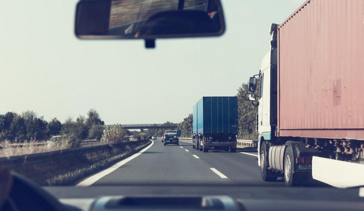 Chystáte se na dovolenou? Dálniční poplatky zdražily v Rakousku a Maďarsku, jinde zůstaly stejné