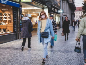 PRŮZKUM: Na 61 procent Čechů nemuselo během pandemie čerpat peníze z rezerv