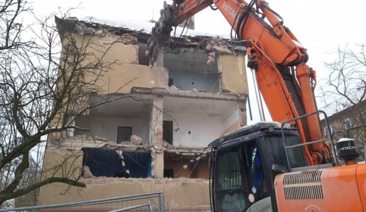 Sokolov nechá zbourat prázdný bytový dům v ulici Svatopluka Čecha