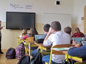 V Karlových Varech jsou v karanténě čtyři třídy na základních školách