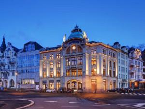Zrekonstruovaná budova bývalé Sparkasse ve Varech jde do dražby