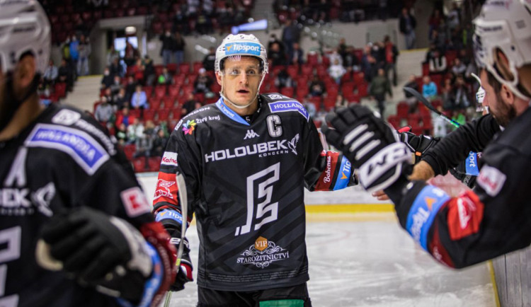 Hokejisté Karlových Varů zdolali Kladno 7:4 a zabrali po třech prohrách