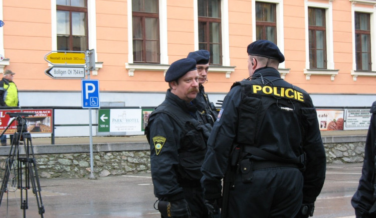Práce u policie jako stabilní a celoživotní zaměstnání