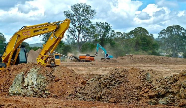 Sokolov dokončuje pozemky pro stavbu rodinných domů na sídlišti Vítězná