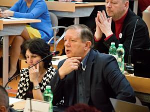 VOLBY 2021: Zklamání a nutnost změny, zaznívá z ČSSD a KSČM v Karlovarského kraje